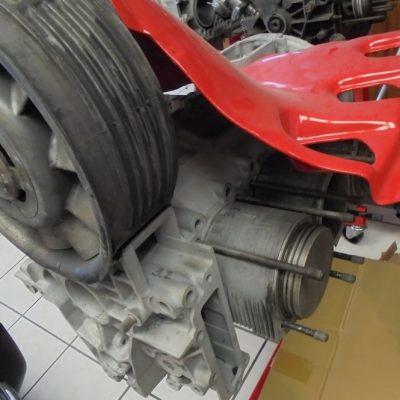 Porsche 911 Carrera motor met compressor