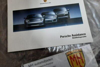 Porsche wit assistanceboekje